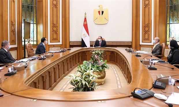 السيد الرئيس يتابع الاستراتيجية القومية لتوطين صناعة المركبات الكهربائية والصناعات المغذية، ويوجه بتوطين صناعة السيارات الكهربائية في مصر بشكل متكامل يتخطى مراحل التجميع