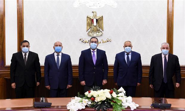 رئيس الوزراء يشهد توقيع اتفاقية تصنيع ١٠٠٠ عربة بضائع بالهيئة العربية للتصنيع