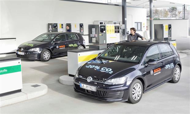 فولكس فاجن جولف أثناء اختبار الوقود الجديد