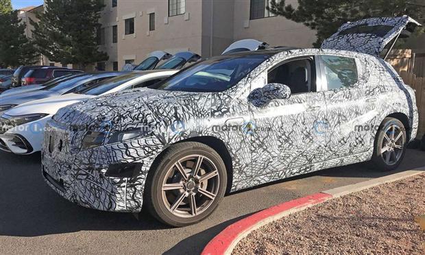 صور تجسسية تكشف مرسيدس EQS SUV