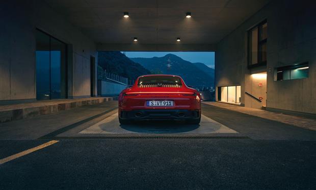 بورشه 911 GTS الجديدة