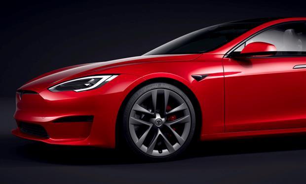 تسلا تتراجع في انتاج نسخة  Model S الأقوى
