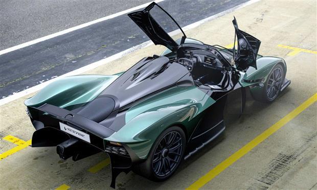 أستون مارتن فالكيري سبيادر...أقوى سيارة مكشوفة من الصانع الإنجليزي – صور و تفاصيل