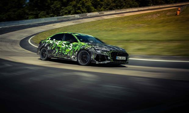 أودي RS3 سيدان تسجل رقما قياسيا على حلبة Nurburgring