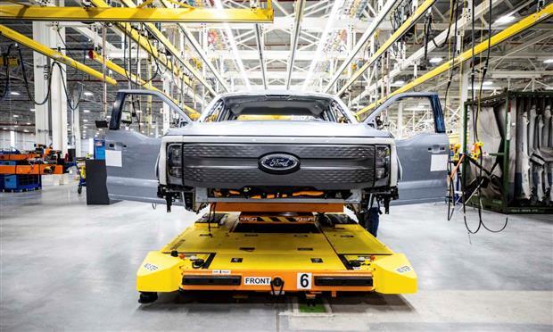 فورد تستعد لبدء إنتاج F-150 الكهربائية