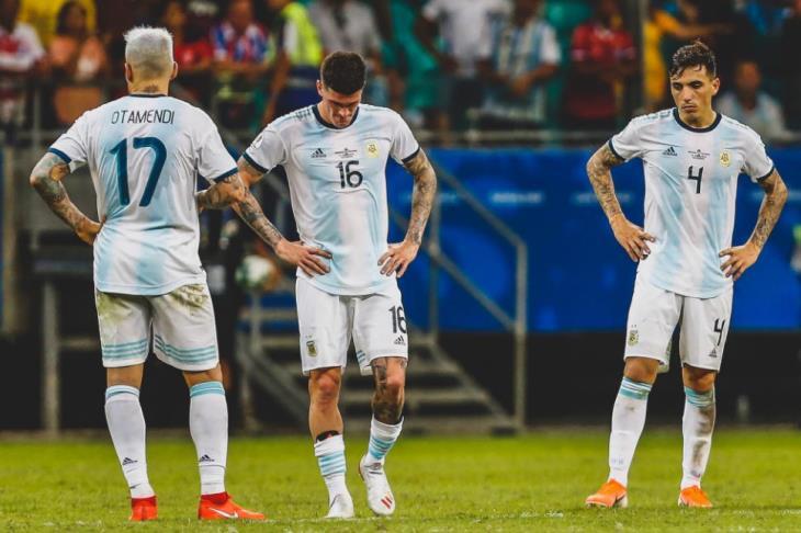 الأرجنتين تفرط في فرصة ذهبية وتكتفي بالتعادل مع كولومبيا في تصفيات المونديال