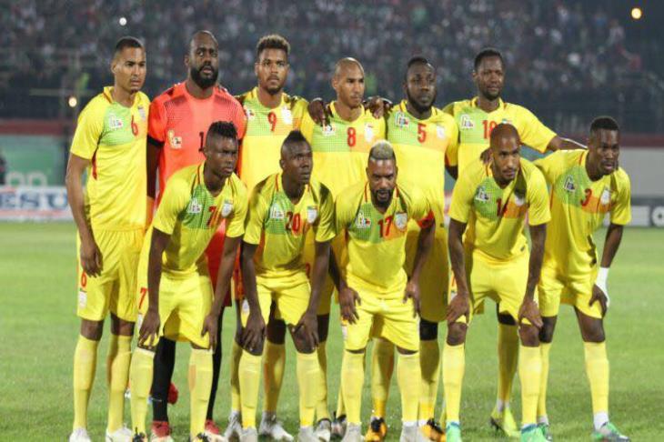 """آخر بطاقة تأهل مُعلقة.. كاف يؤجل """"مباراة الأزمة"""" بين سيراليون وبنين لشهر يونيو"""