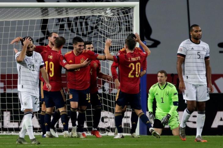 سداسية مذلة في ألمانيا.. إسبانيا تنصب السيرك وتبلغ نهائيات دوري الأمم