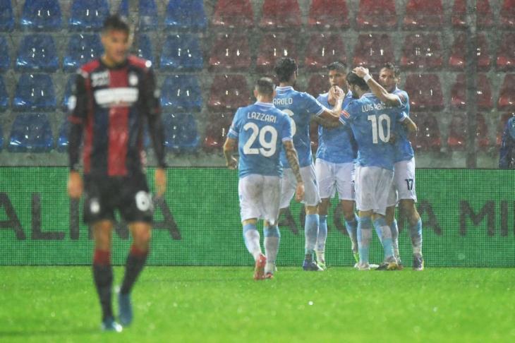 لاتسيو يفوز على كروتوني بثنائية في الدوري الإيطالي (فيديو)