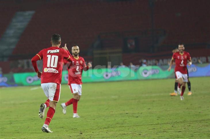 محمد شريف: الأهلي هدفه الفوز دائما.. وتحت أمر الجهاز الفني في أي مركز