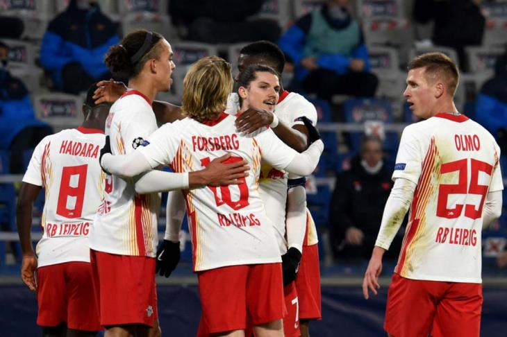لايبزج يخطف فوزا قاتلا من باشاك شهير في مباراة السبع أهداف بدوري الأبطال