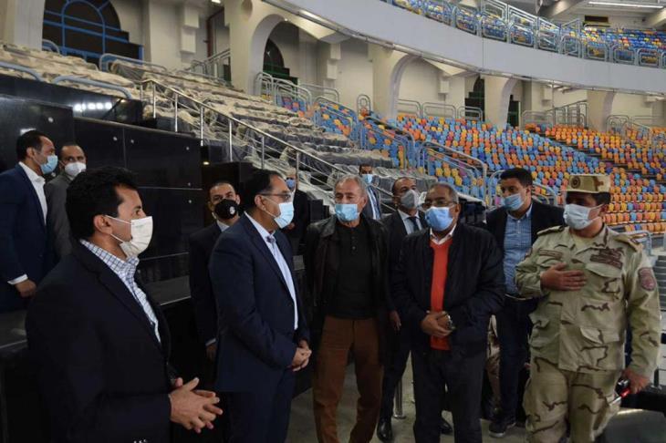 استعداد لمونديال اليد.. رئيس الوزراء يتفقد مجمع الصالات المغطاة باستاد القاهرة