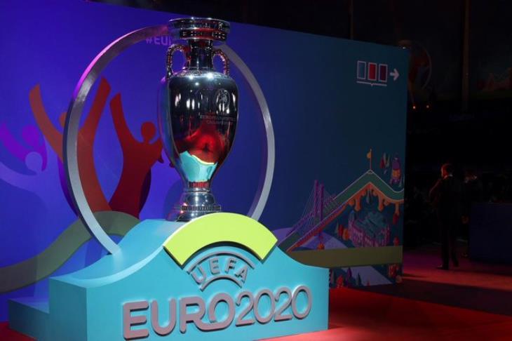 بين الحماس والعاطفة والصدمة.. لحظات فارقة شاهدة على تاريخ يورو