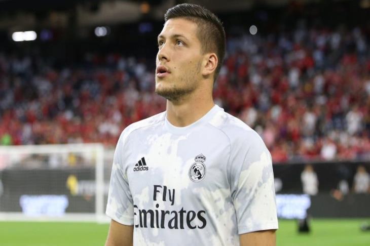 يوفيتش: سأعود إلى ريال مدريد بعد نهاية إعارتي لفرانكفورت