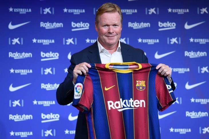 رسميًا.. برشلونة يعلن استمرار رونالد كومان