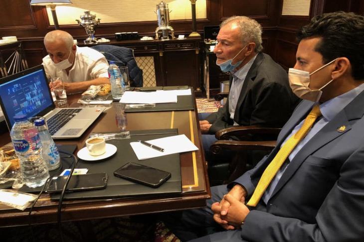 وزيرا الرياضة والصحة يعقدان اجتماعا مع رؤساء الوفود المشاركة ببطولة العالم لليد