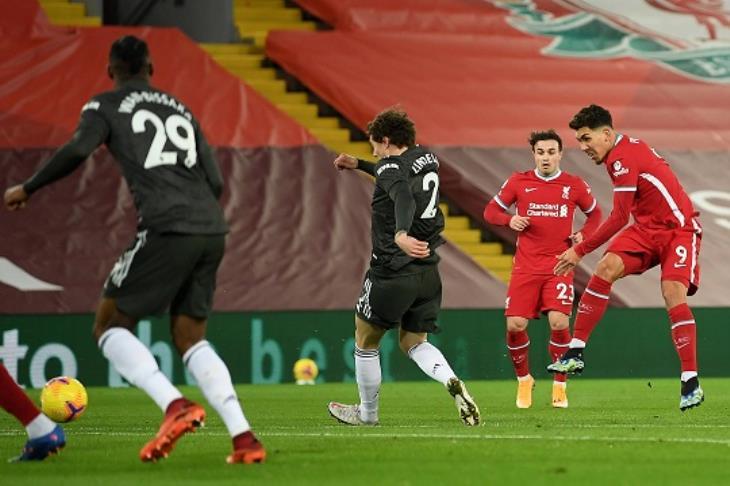 في قلب أنفيلد.. يونايتد يجبر ليفربول على قبول التعادل ويحافظ على صدارته لبريميرليج (فيديو)