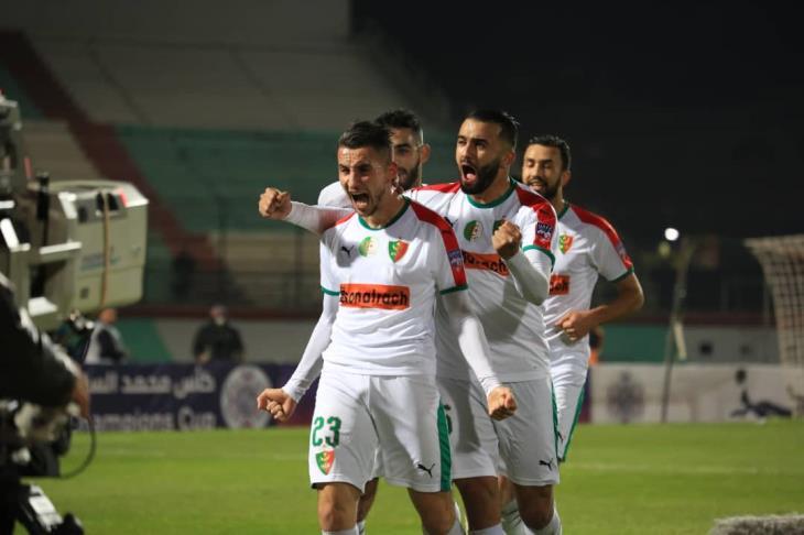 تقارير: مدرب مولودية الجزائر يأمل في استعادة هدافه أمام الزمالك