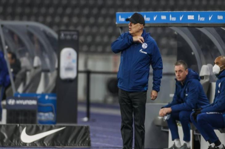 مدير الكرة في شالكه: سأرحل إذا فشلت مهمة جروس