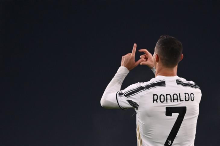 رونالدو يعادل رقما قياسيا للأهداف بفوز يوفنتوس على ساسولو في الدوري الإيطالي
