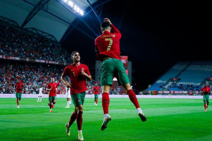"""تصفيات المونديال.. """"هاتريك"""" رونالدو يقود البرتغال لاكتساح لوكسمبورج"""