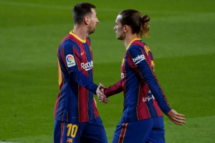 تقرير: جريزمان وكوتينيو على رأس قائمة نجوم برشلونة المعروضين للبيع