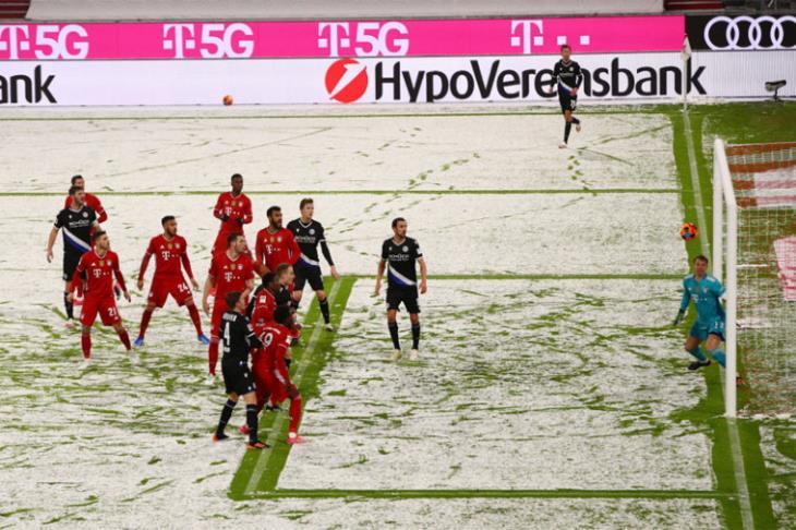 بايرن يتعادل مع أرمينيا بيلفيلد في أول مباراة بعد مونديال الأندية (فيديو)