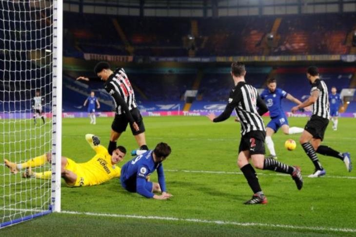 تشيلسي يهزم نيوكاسل بهدفين في الدوري الإنجليزي (فيديو)
