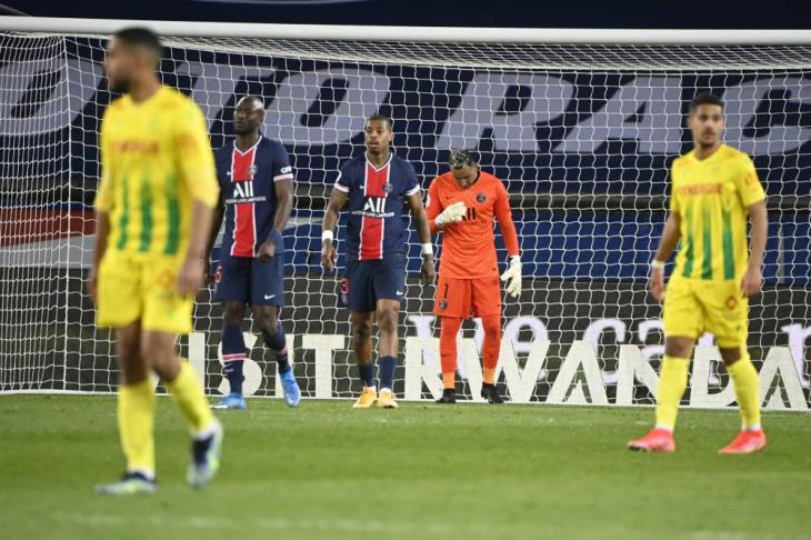 باريس يرفض هدية موناكو ويستسلم للهزيمة أمام نانت بالدوري الفرنسي