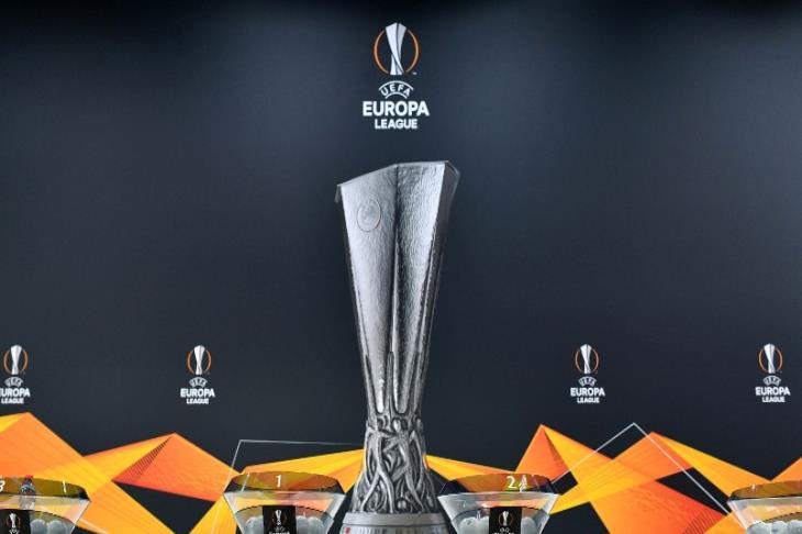 روما يقلب الطاولة على أياكس ويلامس نصف نهائي الدوري الأوروبي