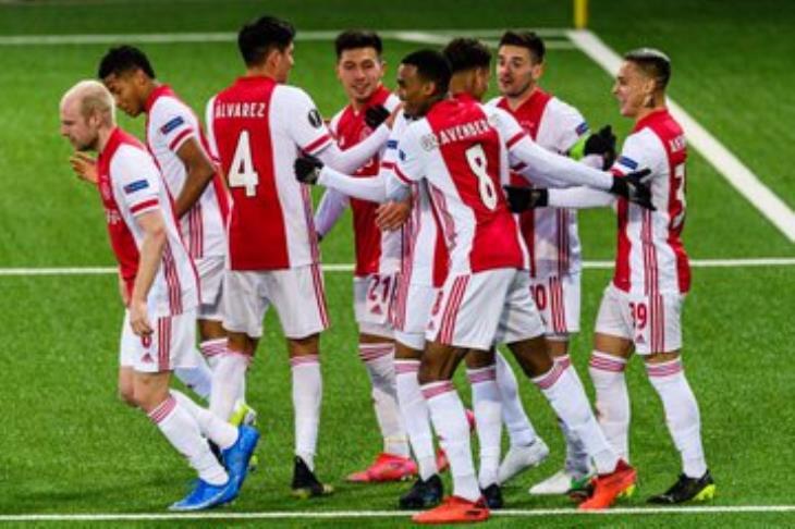 أياكس يرافق فياريال وسلافيا براغ لربع نهائي الدوري الأوروبي