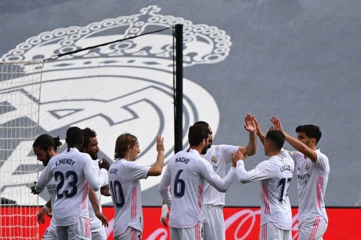 ريال مدريد يعلن أرباح الموسم الماضي.. وميزانية سوق الانتقالات للعام الجديد