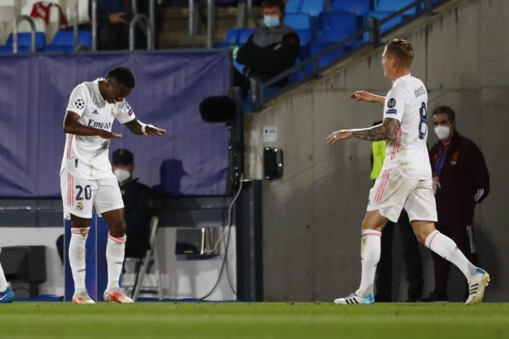 فينسيوس رجل مباراة ريال مدريد وليفربول: ليس هناك أفضل مما حدث