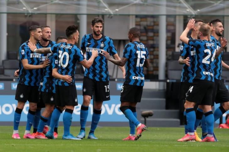 إنتر ميلان يحتفل بلقب الدوري الإيطالي بفوز عريض على سامبدوريا (فيديو)