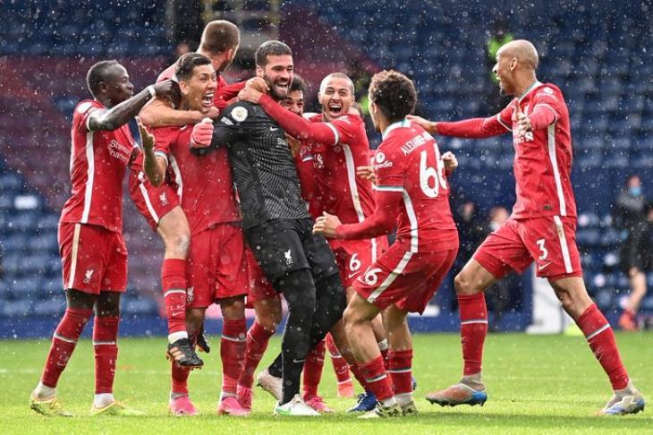 """متفوقا على أهداف صلاح """"الستة"""".. أليسون يفوز بجائزة الأفضل في ليفربول"""