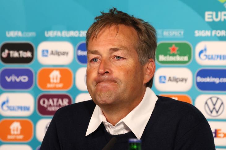 مدرب الدنمارك: جاهزون لليلة ساحرة أمام المنتخب الروسي