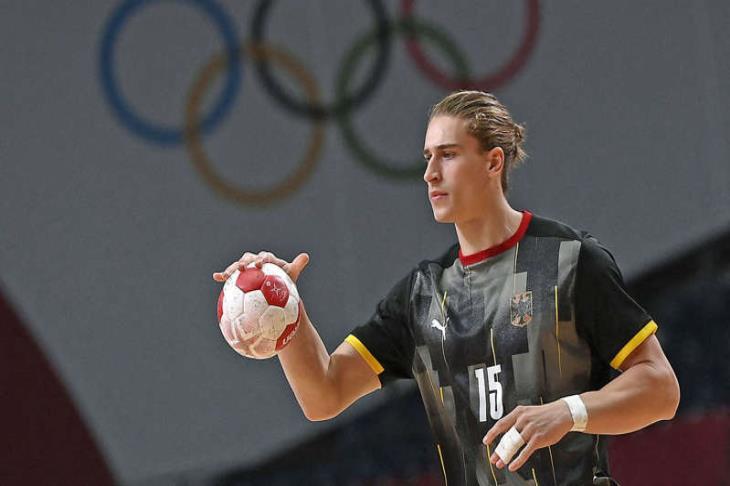 قبل مواجهة مصر.. لاعب ألمانيا يغادر إلى برلين.. وتعهدات بعدم اللحاق به سريعًا