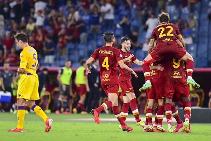 روما يضرب فيورنتينا بثلاثية في الدوري الإيطالي