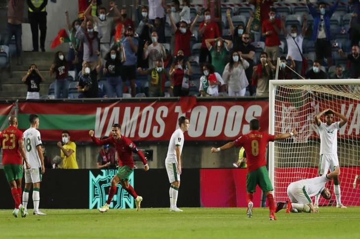 """كريستيانو التاريخي.. """"ريمونتادا"""" قاتلة للبرتغال أمام أيرلندا بتصفيات المونديال"""
