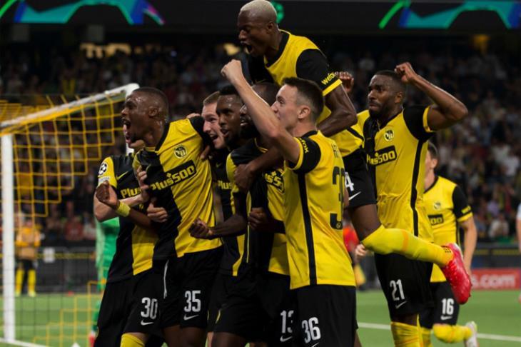 فوز +90.. يانج بويز يفسد احتفالات يونايتد برونالدو ويسقطه في الأبطال