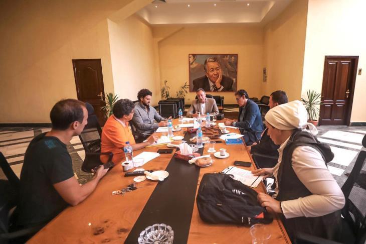 الخطيب يعقد اجتماعات تحضيرية لممثلي شركة الكرة بالأهلي