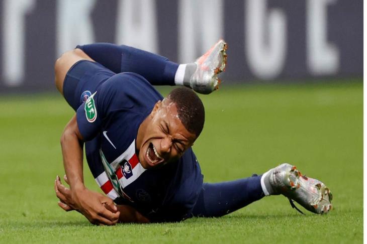 باريس يعلن غياب مبابي عن مباراة لايبزيج بالأبطال